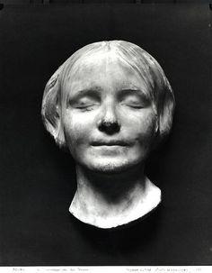L'Inconnue de la Seine or unknown woman of the Seine plaster death mask