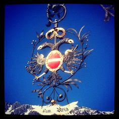 Schmiedeeisernes Wappen am #Romantikhotel #Schwarzer #Adler in #Innsbruck Innsbruck, Christmas Ornaments, Holiday Decor, Home Decor, Crests, Eagles, Black Man, Decoration Home, Room Decor