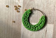 TRAUMFÄNGER gehäkelte Creolen von Ohrringal auf Etsy Crochet Earrings, Etsy, Jewelry, Craft Gifts, Handmade, Schmuck, Jewlery, Jewerly, Jewels