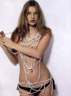 Kate Moss and Chanel pearls…