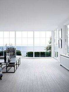 Na pierwszy weekend czerwca mamy dla Was piękne #okna i równie piękny widok za nimi! 😍 Też poczuliście już wakacyjny klimat? 😊Foto: http://bit.ly/2qJRTZM