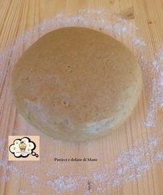 La pasta frolla al farro senza burro è una ricetta base,leggera ma allo stesso tempo buona e gustosa per la preparazione di crostate, biscotti e tartellette