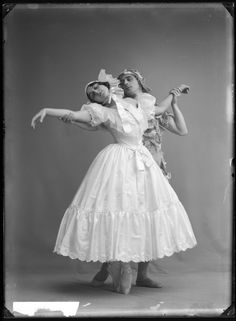 Fokin & Fokina, Stockholm 1914    Mikhail Fokin and Vera Fokina in the ballet Le spectre de la rose.   Glass plate negative.