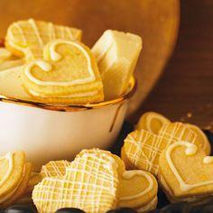 Mütter freuen sich am meisten, wenn sie am Muttertag keinen Finger in der Küche rühren müssen. Diese Rezepte für Kuchen und Kekse geben wir gleich mal an unsere Kinder weiter!
