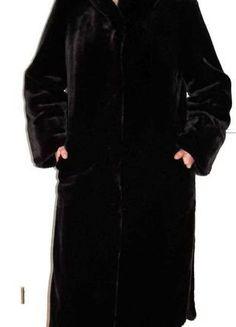À vendre sur #vintedfrance ! http://www.vinted.fr/mode-femmes/fausses-fourrures/27380492-long-manteau-imitation-fourrure-noir-avec-grand-col