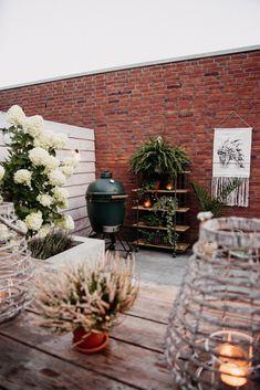ogródek taras - Szukaj w Google Table Decorations, Google, Plants, Furniture, Home Decor, Decoration Home, Room Decor, Home Furnishings, Plant