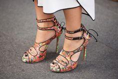 zapato bello floreado