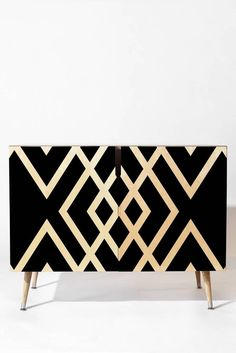 Black and gold modern sideboard for modern decor |www.bocadolobo.com #modernsideboard #sideboardideas