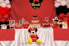 Mesa decorada tema Minnie