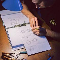 Cunoaștere, inspirație, idee, aceastea sunt etapele nevăzute în crearea oricărei bijuterii. Abia apoi urmeaza ceea ce vedeți, desenul. Aceștia sunt pașii urmați în realizarea bijuteriilor Sabion.|Fabricat în România.| #idee #design #bijuteria #sabion #romania #cluj #jewelry #instajewelry #art #inspiration #live #love #life|
