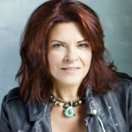 The Creators Call.  This week on The Creators Call podcast, Anthony Palmer and Pete Barrett call up Rosanne Cash. April 14, 2014.  A 19 minutes and 26 second talk.  http://thecreatorscall.com/2014/04/14/rosanne-cash/