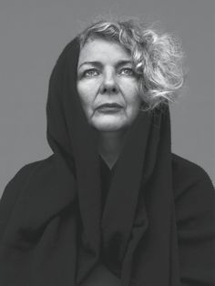 Marlene Dumas - South African born artist and painter who lives and works in Amsterdam. Photo by Stephan Vanfleteren. Marlene Dumas, Haunted Images, The Magnificent Seven, Z Arts, Portraits, Contemporary Artists, Portrait Photography, Beautiful People, Black And White