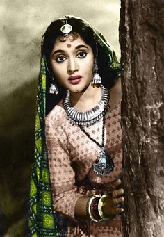 Actress, singer, and dancer Vyjayanthimala was the first South Indian actress who made it as a national star and was one of the biggest ever Hindi film female stars in a career lasting almost two decades. Bollywood Heroine, Beautiful Bollywood Actress, Bollywood Actors, Bollywood Celebrities, Bollywood Posters, Bollywood Photos, Indian Bollywood, Beautiful Girl Indian, Beautiful Indian Actress