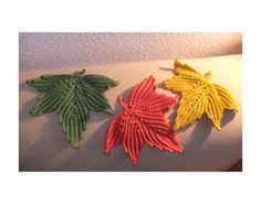 pattern: http://www.ravelry.com/patterns/library/maple-leaf-motifs-irish-crochet