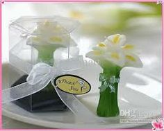 Calla Lily Elegance Vase Shaped Candle Favors Wedding Lilies And Shapes