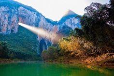 La montaña Tianmenshan en China, ¡la puerta al cielo!