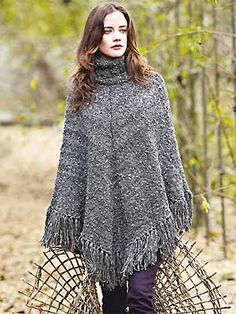 PP feb13 knit poncho FREE PATTERN ♥ 3000 FREE patterns to knit ♥ http://pinterest.com/DUTCHYLADY/share-the-best-free-patterns-to-knit/