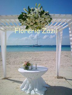 Cancun Florist. Flowers for weddings  and events in Cancún & Riviera Maya. Contact us: ventas@floreriazazil.com www.floreriazazil.com
