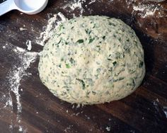Whole Wheat Spinach Bread Makes 2 large loaves  Frozen Spinach (10 ounces), thawed 2 cups warm water 1 T. plus 1 tsp yeast 1 T. sugar 2 tsp. salt 3 T. olive oil 1 tsp. onion powder 1 tsp. garlic powder 2 1/4 cups whole wheat flour 3 cups all-purpose flour