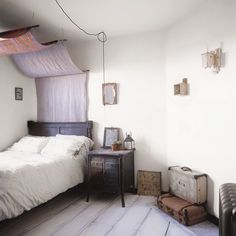 Another simple canopy bed idea!