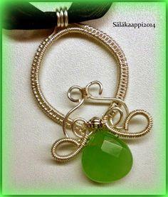 Kieputeltu riipus, wire wrap pendant.