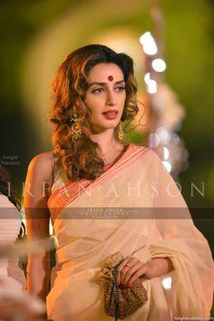 Iman Ali cald in Saree at Atif Aslam Wedding Beautiful Girl Indian, Beautiful Girl Image, Beautiful Saree, Beautiful Indian Actress, Pakistani Models, Pakistani Outfits, Simple Sarees, Saree Photoshoot, Cute Beauty