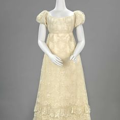 Ball Dress of Blonde Lace, Dutch, Ca. 1815-1820. Rijksmuseum, nr. BK-NM-14105