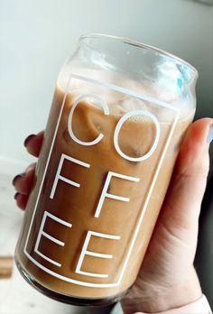 Clear Coffee Mugs, Iced Coffee Cup, Glass Coffee Cups, Coffee Love, Cute Coffee Mugs, Coffee Glasses, Homemade Iced Coffee, Custom Coffee Cups, Glass Beer Mugs