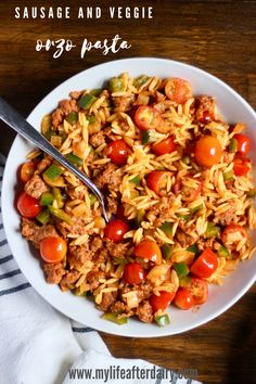 A quick week night dinner is just 30 minutes away with this filling and flavorful Sausage and Veggie Orzo recipe! Also makes an excellent meal prep recipe! Pork Recipes, Lunch Recipes, Pasta Recipes, Turkey Pasta, Spicy Sausage, 30 Minute Meals, Delicious Dinner Recipes, Orzo, Bell Pepper
