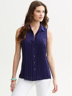 Sleeveless pleated blouse | Banana Republic