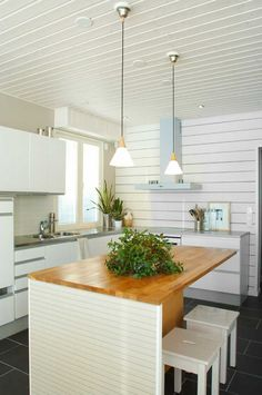 Natural touch of Scandinavian wood! Furniture, Wood, Kitchen Inspirations, House, Home, Table, Inspiration, Rustic Kitchen