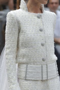 Chanel Couture : Chanel haute couture f / w 2013 Coco Chanel, Chanel Couture, Chanel Fashion, Couture Fashion, Chanel Style, Fashion Details, Fashion Design, Fashion Trends, Couture Details