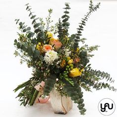 Buchet organic cu flori de primavara zambile frezii lalele trandafiri _ B161