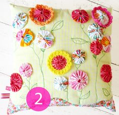 Eline Pellinkhof: Colorful summer | Flowery Pillow Give-away