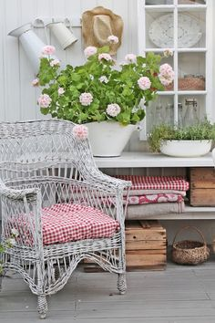 * Wicker love and posies...love the cottage look.............