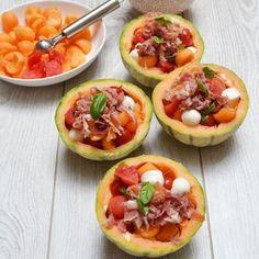 Salade de melon, pastèque et jambon de pays : 45 recettes à la mozzarella - Journal des Femmes