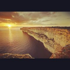 The stunning cliffs of Gozo. Malta Direct will help you plan your trip – www.maltadirect.com
