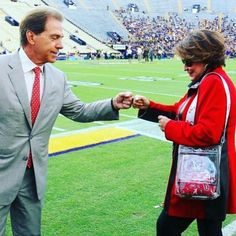 Bama's Nick Saban Named To Bobby Dodd Coach Of The Year Preseason Watch List; Two Crimson Tide Football Players To Transfer; Jack Hoehl Named UA Director Of Alabama College Football, University Of Alabama, Football Coaches, Football Food, Football Season, American Football, Crimson Tide Football, Alabama Crimson Tide, Alabama Baby