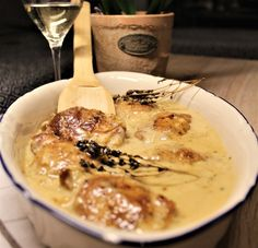 Chicken with White wine sauce Chicken White Wine Sauce, Main Courses, Food, Main Course Dishes, Entrees, Essen, Meals, Yemek, Eten