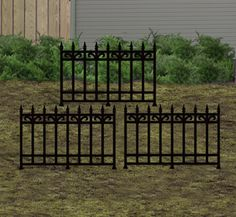 Graveyard Fence Woodcraft Pattern Add these sections of fence to your Halloween cemetary yard display. #diy #woodcraftpatterns