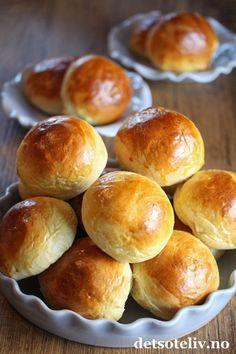 Vaniljesausboller | Det søte liv Dim Sum, Cinnamon Rolls, No Bake Cake, Nom Nom, Sweet Treats, Food And Drink, Baking, Desserts, Cookies