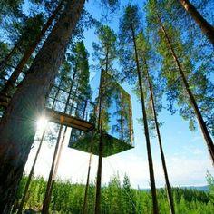 ❦ Glass hotel in Sweden