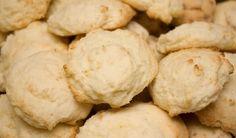 Recette : Galette à la crème sure de mémé. Cookie Desserts, Cookie Recipes, Snack Recipes, Snacks, Biscuits, Something Sweet, Muffins, Delish, Sweet Treats