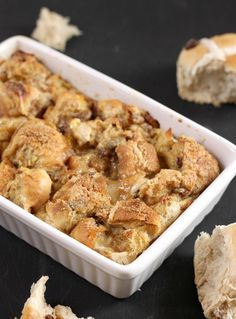 Hot cross bun bread and butter pudding – Easy Cheesy Vegetarian Pudding Recipes, Cake Recipes, Bread And Butter Pudding, How To Make Bread, Bread Making, Hot Cross Buns, Finger Foods, Family Meals, Food Inspiration