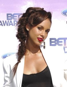 Alicia Keys rocks a twisted fishtail braid
