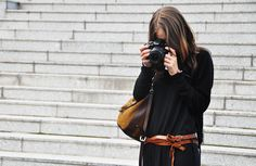 I have a thing for pics of girls with cameras.  They make me want to haul my DSLR around.