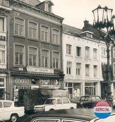 Sittard: Markt 8-10 in 1969 afgebroken voor de bouw van ABN in 1970 (foto 1968)