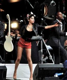 #amywinehouse on stage T in The Park