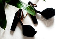 Need these in my life ASAP to wear with gold ankle cuffs.