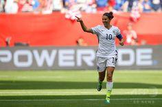 女子サッカーW杯カナダ大会・決勝、米国対日本。先制点を挙げて喜ぶ米国のカーリー・ロイド(2015年7月5日撮影)。(c)AFP/Getty Images/Kevin C. Cox ▼6Jul2015AFP|米国が通算3度目の女子W杯制覇!なでしこ連覇ならず http://www.afpbb.com/articles/-/3052325 #2015_FIFA_Womens_World_Cup #Final_United_States_vs_Japan #Carli_Lloyd